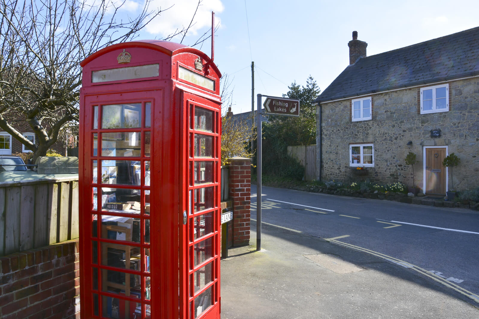 20150322 DSC_0509 Whitwell Telephone Book Box